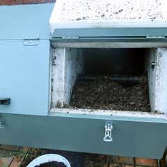 composter with lid open