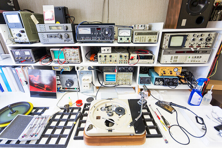 electronics repair workbench
