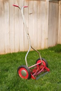 Reel type lawn mower