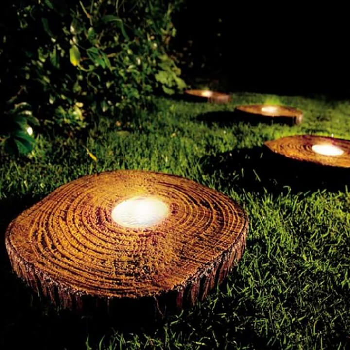 lights inside stumps